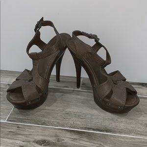 Amazing Leather Jessica Simpson Heels